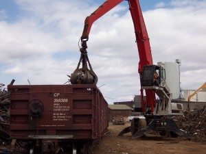By equipping their material handler with a new XW grapple scale from RMT Equipment, Calgary Metal Recycling is shipping carloads of scrap faster, at maximum weights, without incurring penalties from the rail company.