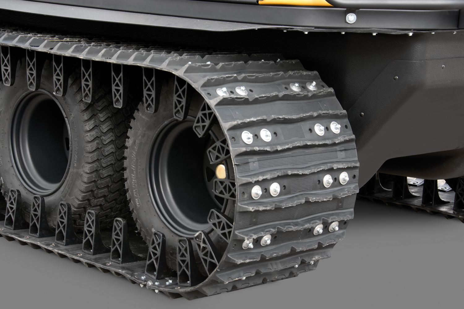"""New 18"""" (457 mm) rubber track systems for ARGO 8x8 CENTAUR and XT Models are easier to install and feature HD UHMW-PE guides, HD hinge lacing, reinforced rims and high impact-resistant turf tires. They are available in tandem or quad options."""