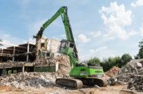 Multi-Tasking SENNEBOGEN 830 E Demolition Machine Takes Down Vacant Fortress In Regensburg